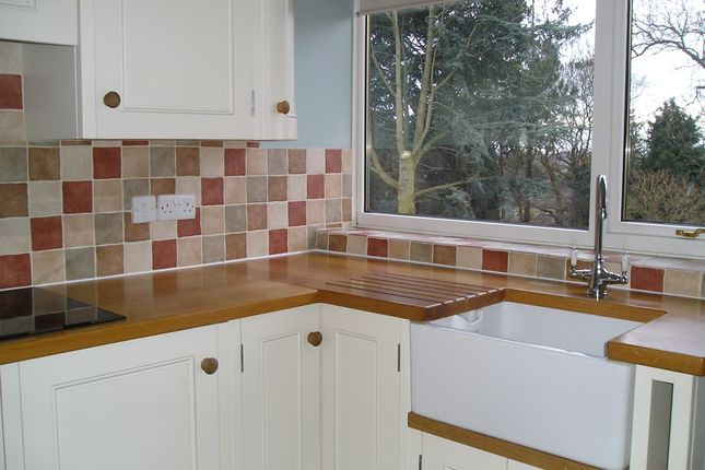 3 bed detached bungalow to rent in Castlegate, Pickering