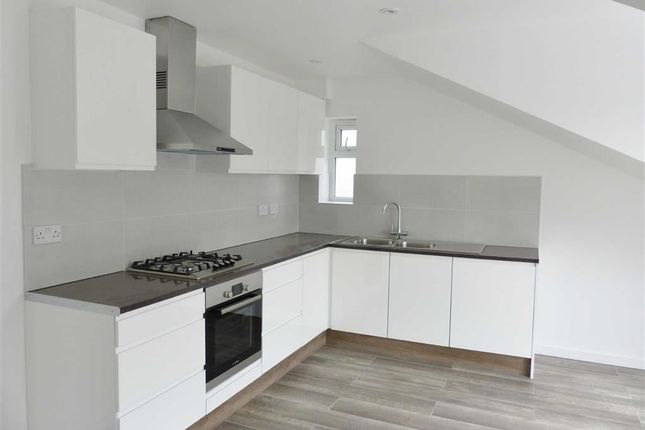 3 bed flat to rent in Fairholme Gardens, Finchley