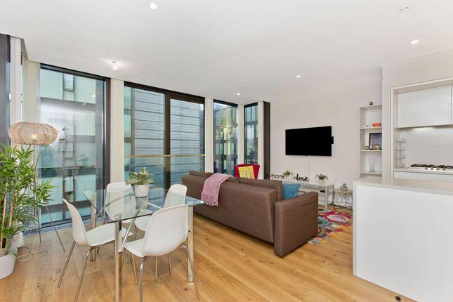 Thumbnail Flat for sale in 24/20 Simpson Loan, Quartermile, Edinburgh