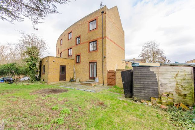 Thumbnail Property for sale in Yarrow Crescent, Beckton