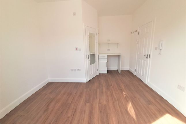 Thumbnail Property to rent in Shelbourne Road, London
