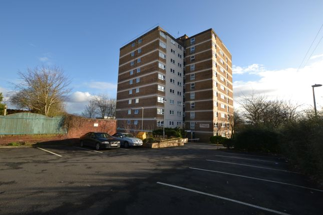 Thumbnail Flat to rent in Firmstone Street, Wollaston, Stourbridge