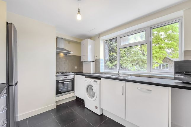 Thumbnail Flat to rent in Oakhill Grove, Surbiton, Greater London