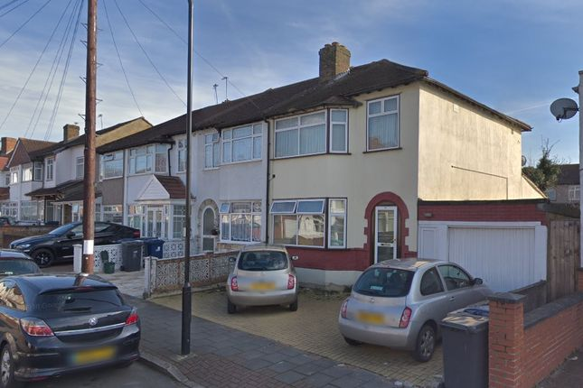 Thumbnail End terrace house to rent in Waxlow Crescent, Southall