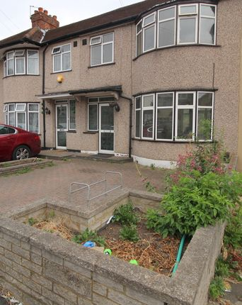 Thumbnail Semi-detached house to rent in Marlow Gardens, Hayes