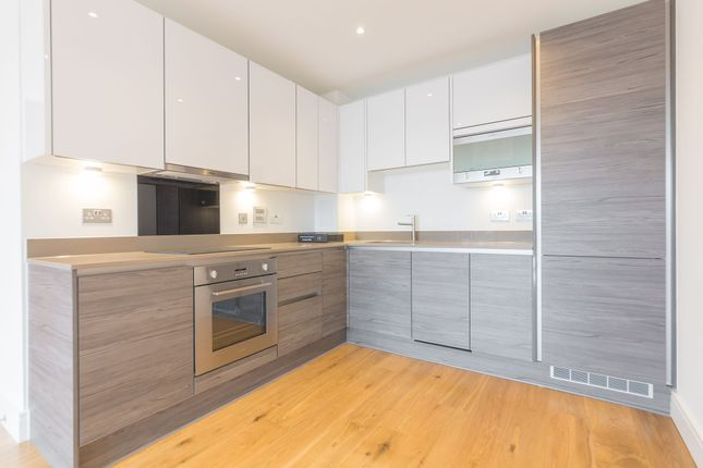 Thumbnail Flat to rent in 2 Winchester Square, Marine Wharf East, Surrey Quays, Canada Water, London