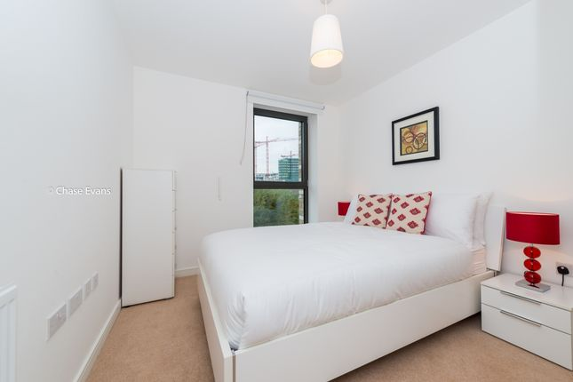 Bedroom of Kingfisher Heights, Waterside Park, Royal Docks E16