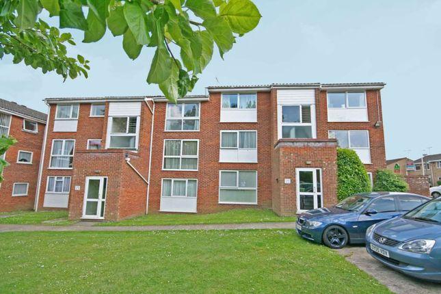 Thumbnail Flat to rent in Nightingale Walk, Hemel Hempstead