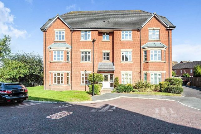 2 bed flat to rent in Goldfinch Drive, Catterall, Preston PR3