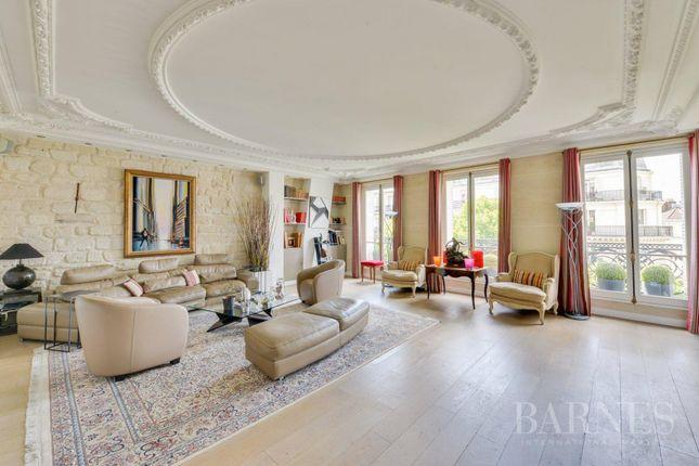 Thumbnail Apartment for sale in Paris 6th (Saint-Germain-Des-Prés), 75006, France