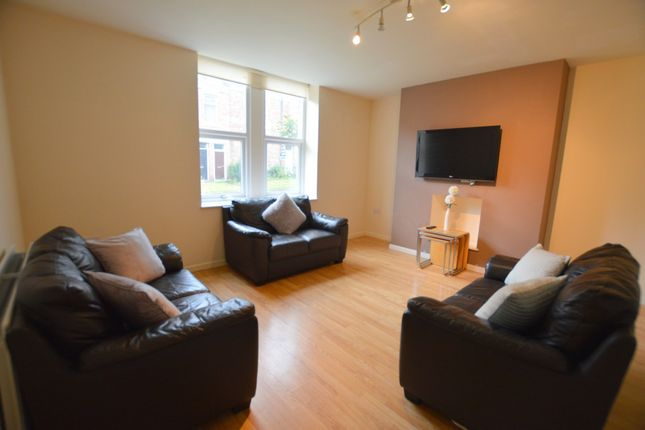 Thumbnail Terraced house to rent in Fifth Avenue, Heaton, Newcastle Upon Tyne