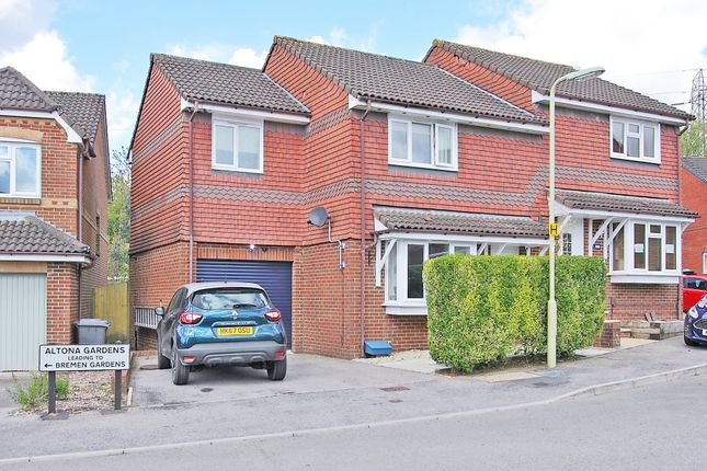 4 bed property to rent in Altona Gardens, Andover SP10