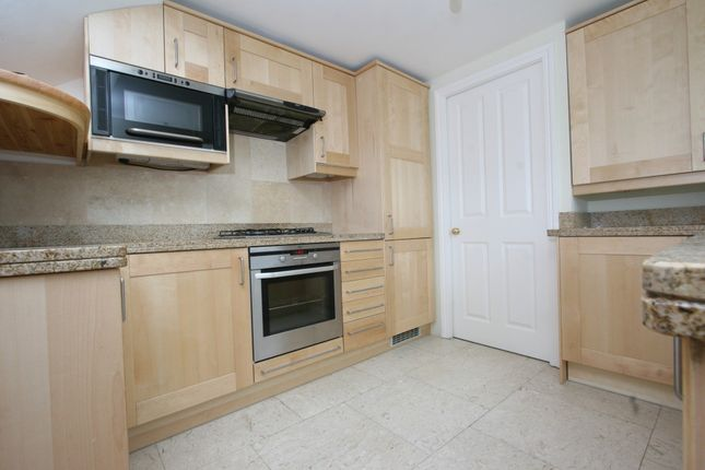 Thumbnail Flat to rent in Lyndhurst Grove, London