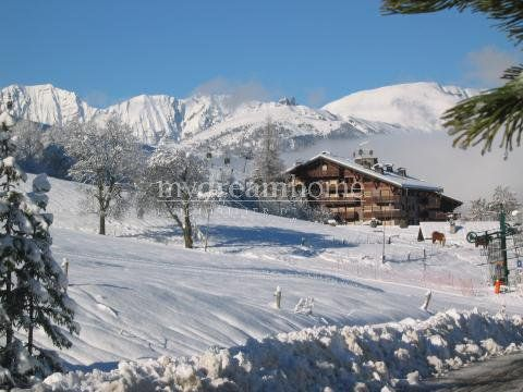 2 bed apartment for sale in Megève, 74120, France