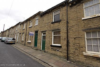 Thumbnail Terraced house to rent in Fanny Street, Saltaire, West Yorkshire