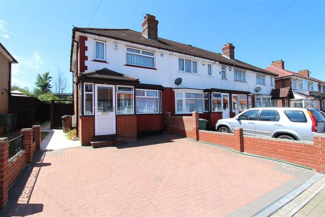 Thumbnail Semi-detached house to rent in Dale Avenue, Edgware
