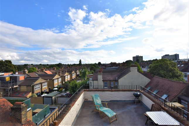 4 bed flat for sale in High Street, London SE20