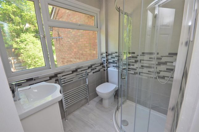 Thumbnail Terraced house to rent in Falconers Road, Luton