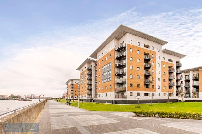 Thumbnail Flat to rent in Sheerness Mews, London