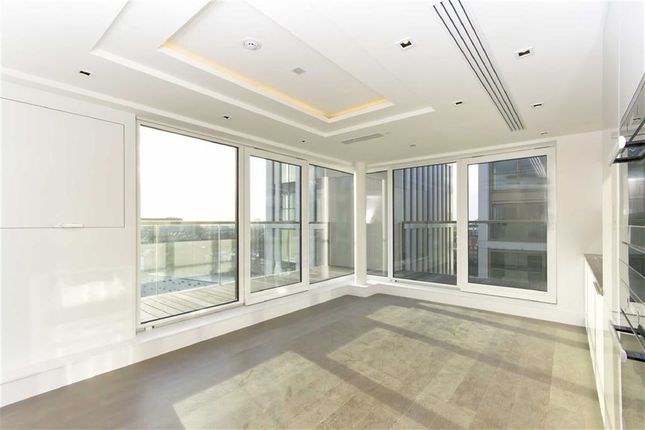 2 bed flat for sale in Kensington High Street, London