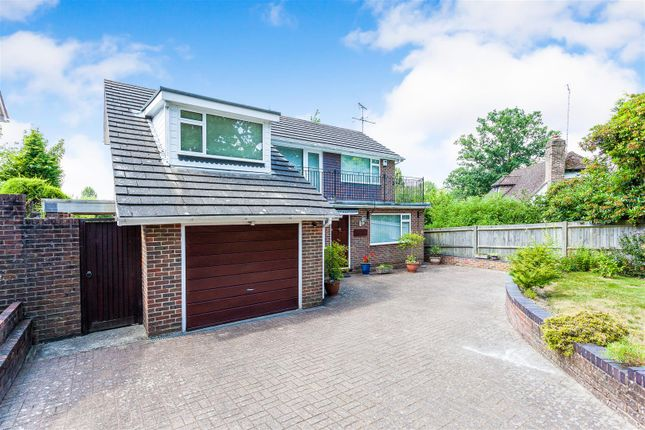 Thumbnail Detached house for sale in Mount Close, Crawley