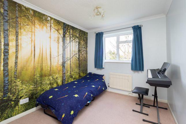 No. 21 - Bed 3 of Balmoral Way, Sutton, Surrey SM2