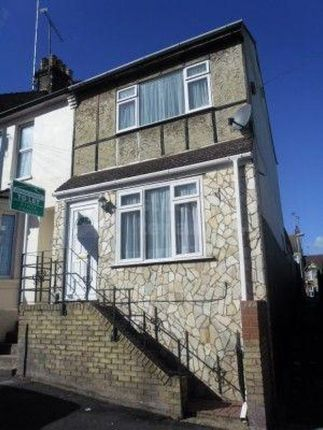 Thumbnail Shared accommodation to rent in Corporation Road, Gillingham, Kent