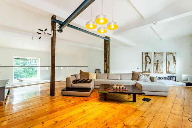 Thumbnail Property to rent in Elverson Road, Deptford