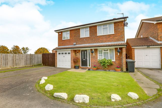 Thumbnail Detached house for sale in Hawks Farm Close, Hailsham