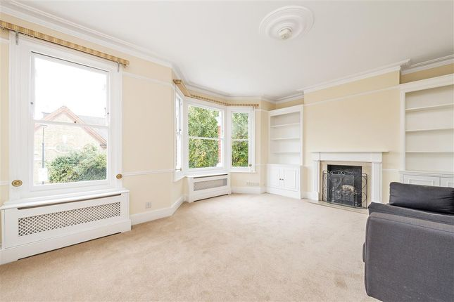 2 bed flat to rent in Greswell Street, London SW6