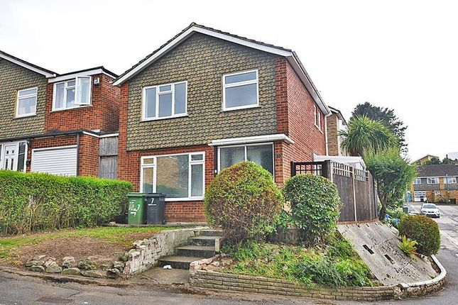 Thumbnail Property to rent in Dixon Close, Maidstone