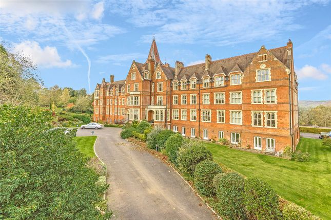Thumbnail Flat for sale in Wolf's Row, Limpsfield, Oxted, Surrey