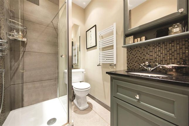Shower Room of Prince Of Wales Drive, London SW11