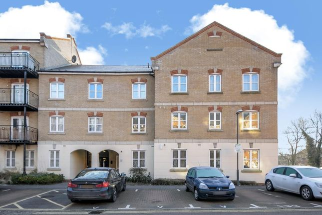 Thumbnail Flat to rent in Grand Central, Aylesbury