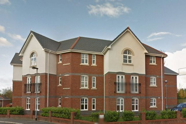 Thumbnail Flat to rent in Cromwell Avenue, Stockport