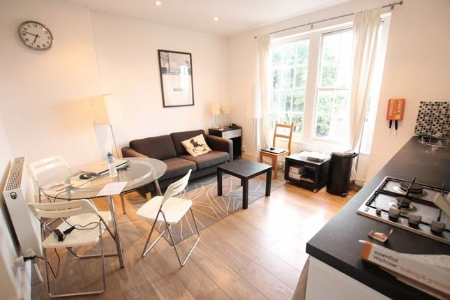2 bed shared accommodation to rent in The Highway, London