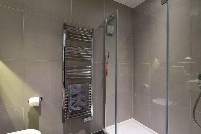 Bathroom of East Parkside, London SE10