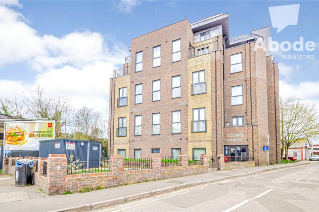 Flat to rent in Coomb House, St Johns Road, Isleworth, London