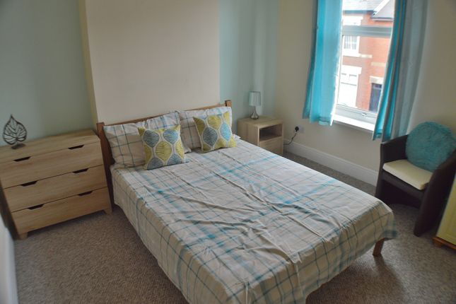 Thumbnail Shared accommodation to rent in Moss Street, Derby