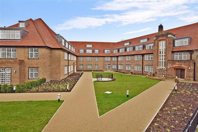 Thumbnail Flat for sale in Lesbourne Road, Reigate, Surrey