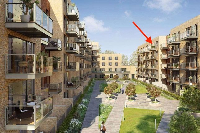 Thumbnail Flat for sale in Smithfield Square, Hornsey, London