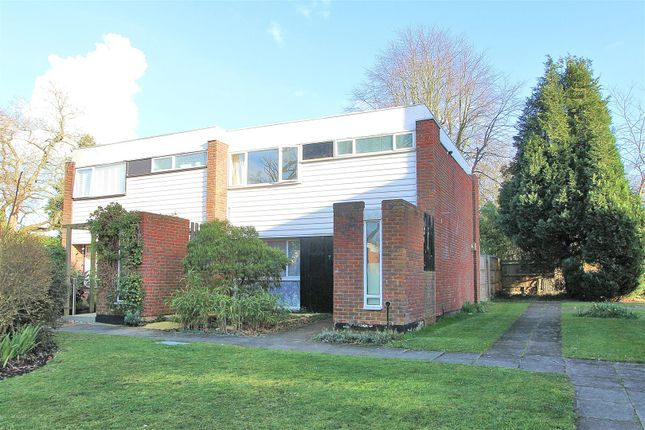3 bed semi-detached house for sale in Fosse Way, West Byfleet