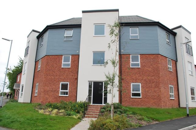 2 bed flat to rent in Ferridays Fields, Telford TF7