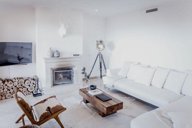 2 bedroom town house for sale in 29679 Benahavís, Málaga, Spain