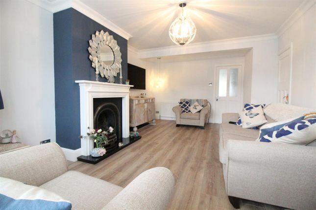 Living Room of Hotham Road North, Hull HU5