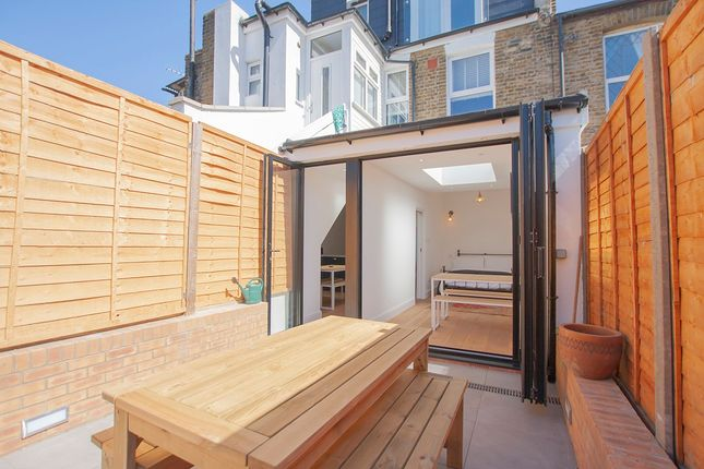 Thumbnail Flat to rent in Mallet Road, London