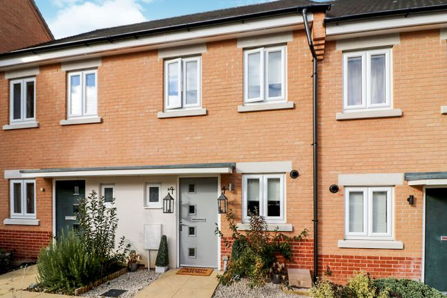 Thumbnail Terraced house for sale in Hampton Court Close, Colchester