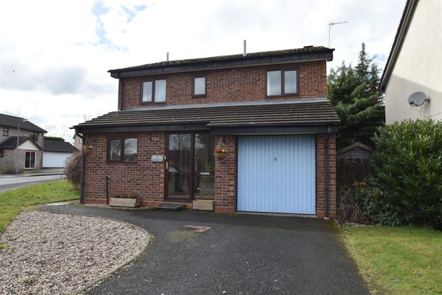 Thumbnail Detached house for sale in Laurelwood Road, Droitwich