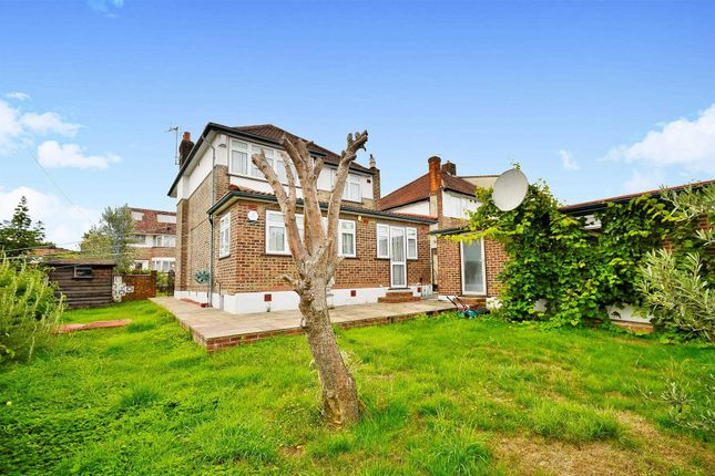 Thumbnail Detached house for sale in Farmleigh, London