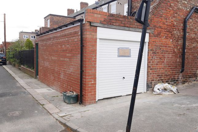 Parking/garage to let in Stratford Road, Heaton, Newcastle Upon Tyne